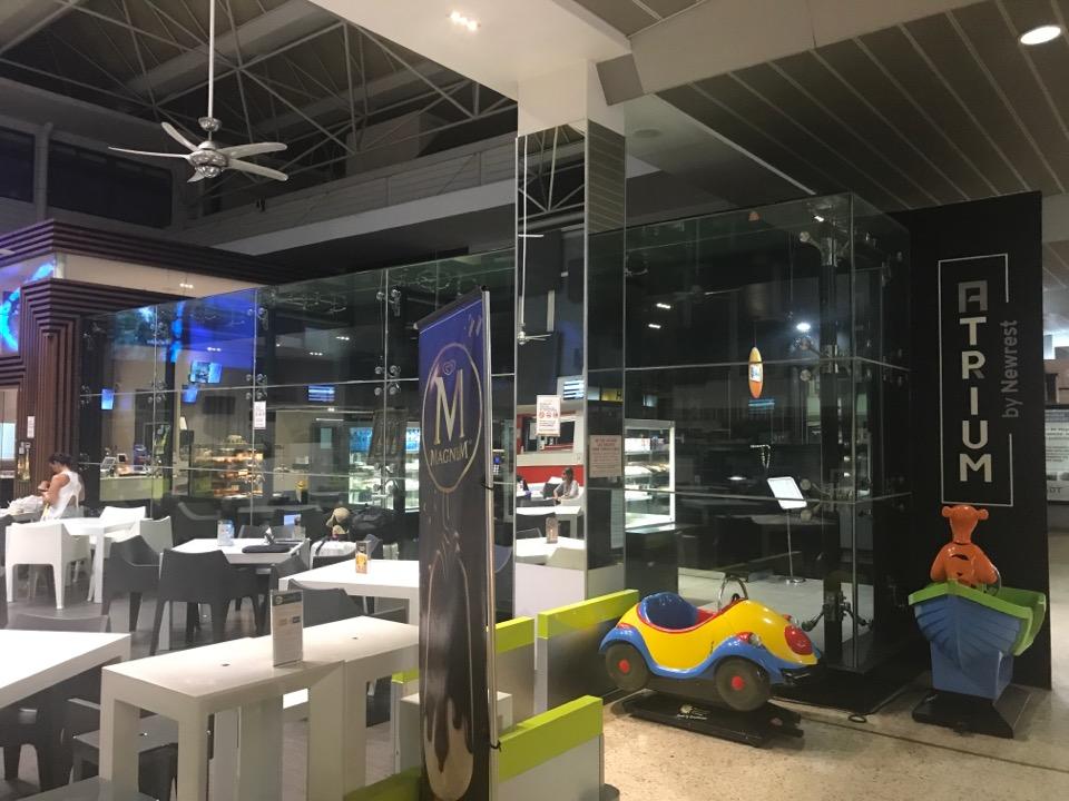 ファアア空港内飲食店