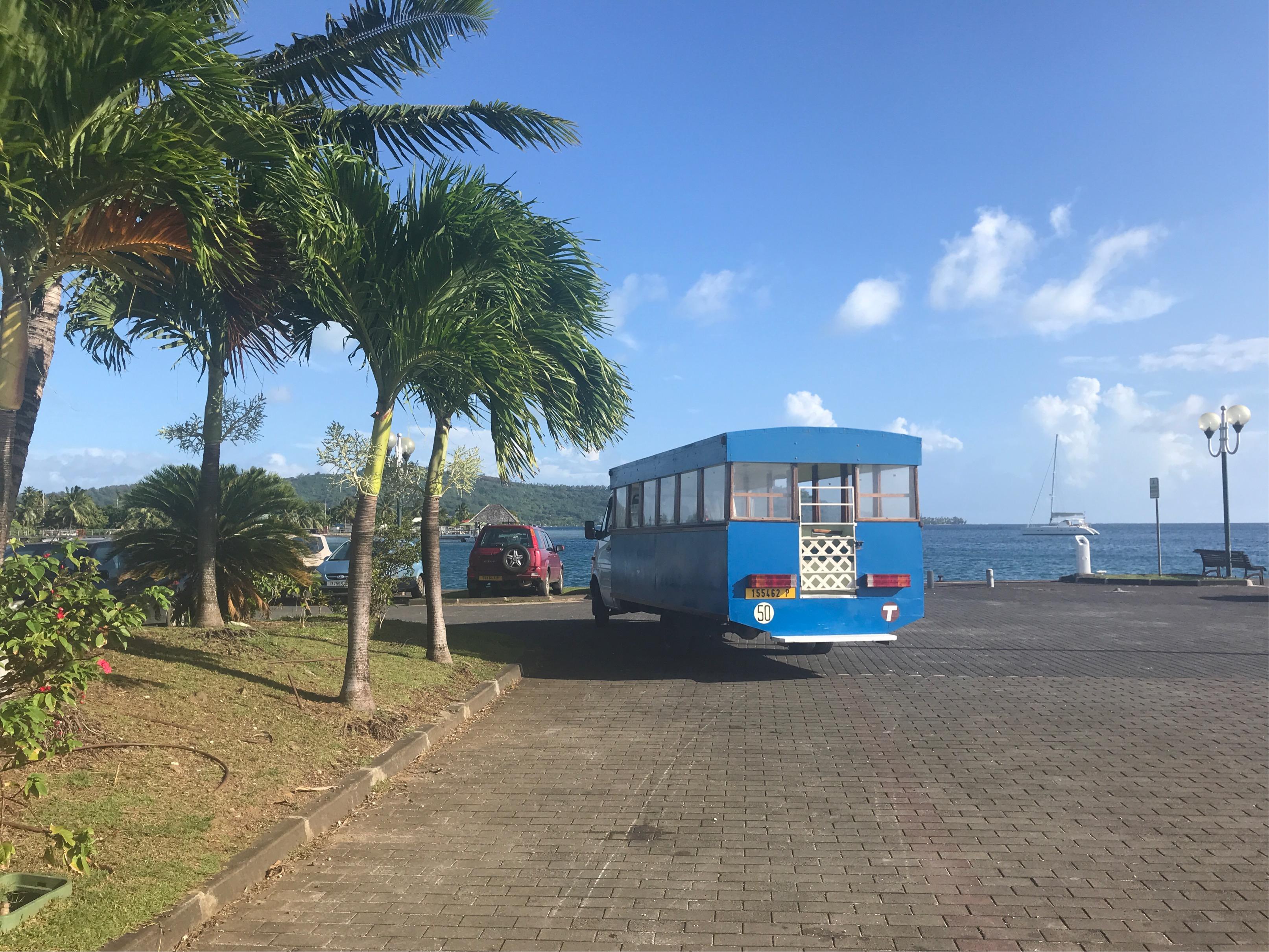 ボラボラ島バス