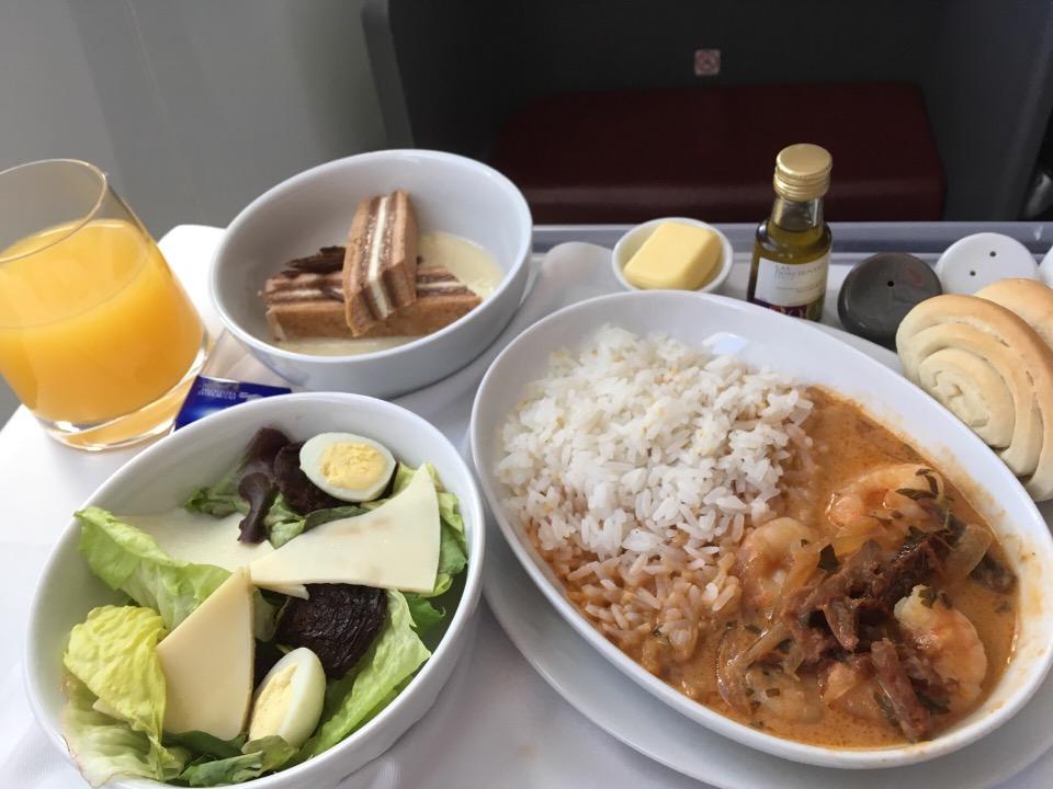 ラン航空ビジネスクラスの食事
