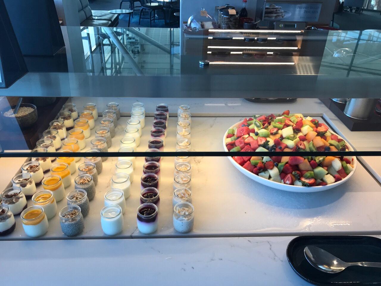 ブリスベン空港のカンタスラウンジの食事