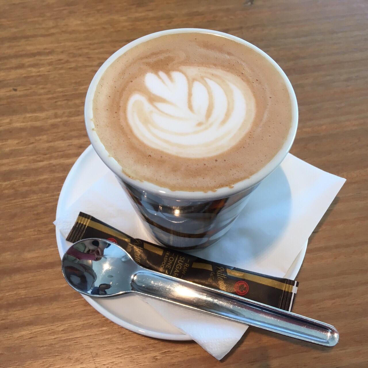 ブリスベン空港ラウンジのカフェ
