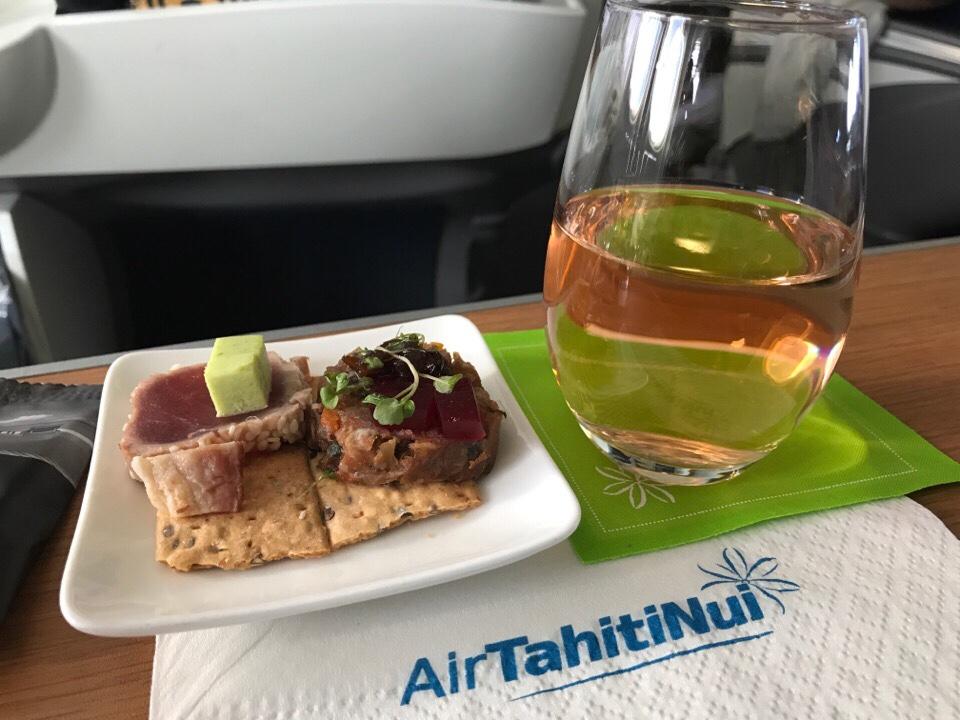 エアタヒチヌイのビジネスクラス機内食