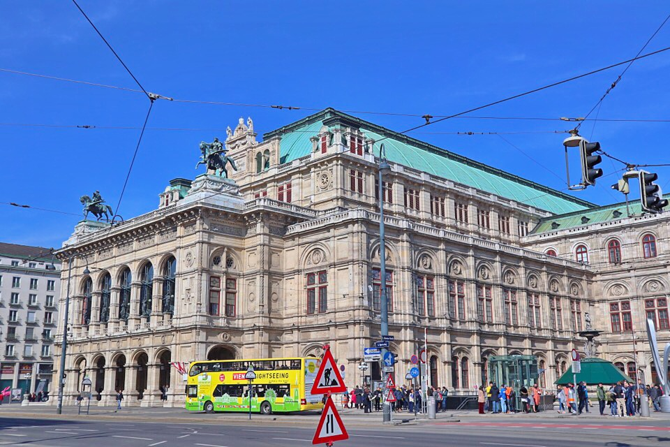 ウィーン国立劇場