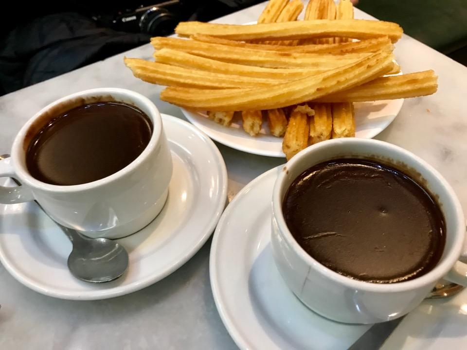 チョコラテとチュロス