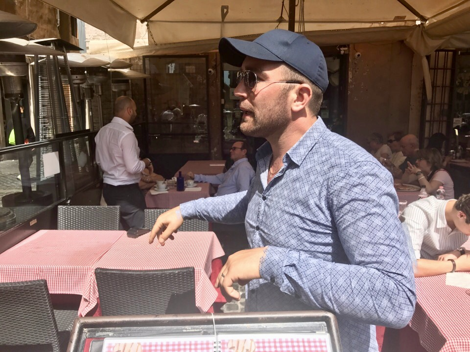 イタリアの店員