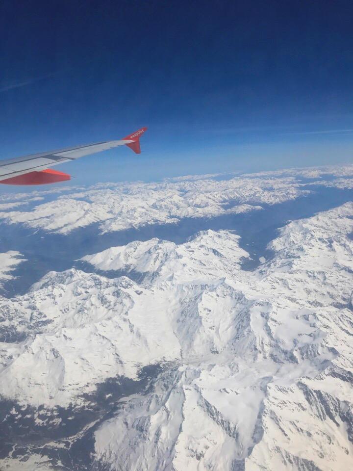 飛行機の中からの風景