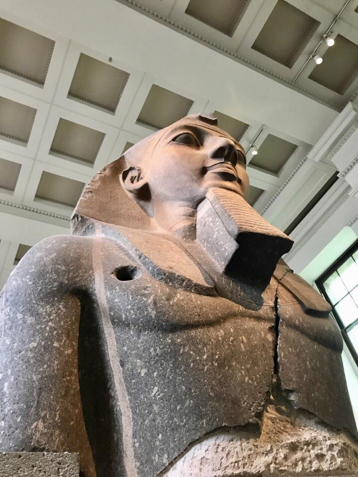 ラムセス二世の胸像