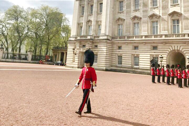 バッキンガム宮殿の衛兵