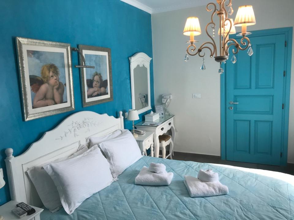 サントリーニ島のホテル