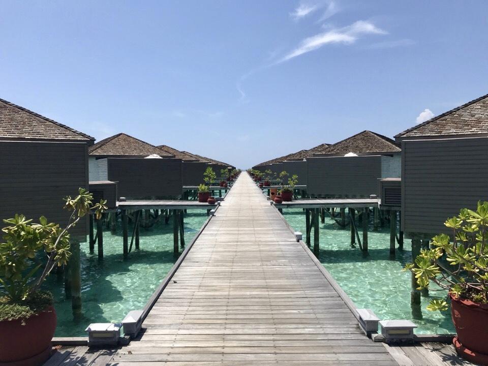 モルディブの水上コテージ